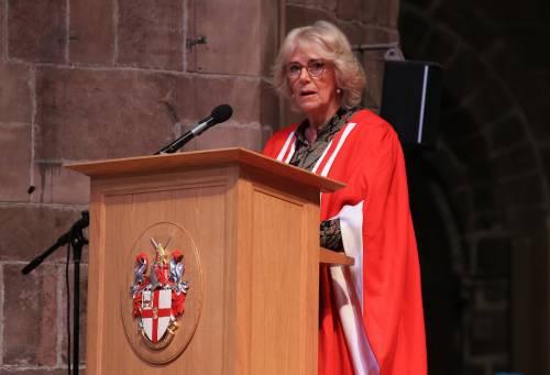 Camilla Parker Bowles, dottorato honoris causa 3
