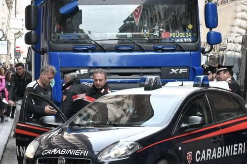 Roma, tir turco in via del Corso: fermato per controlli 4