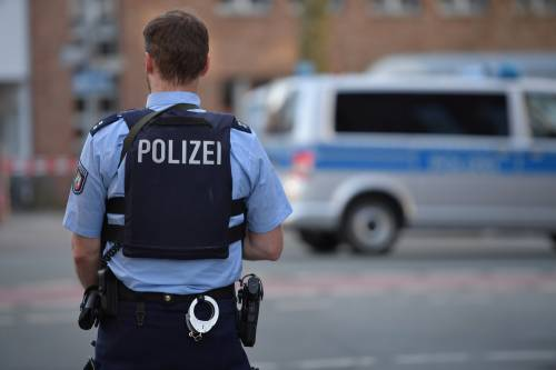 "Germania, van contro la folla: ""Puntava solo gli stranieri"""
