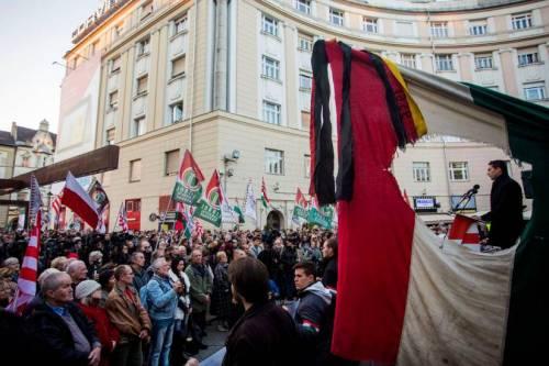 Ungheria, si dimette il leader di Jobbik
