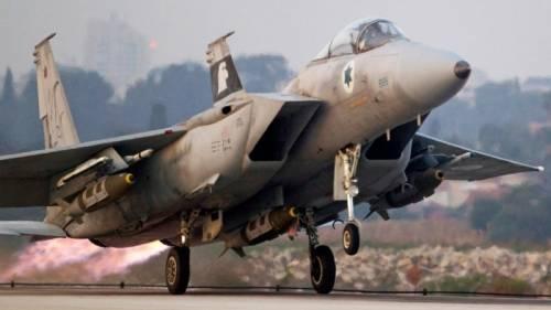 Siria: nella notte raid israeliani sulla regione di Homs. Tel Aviv smentisce, poi rivendica al-Nusra