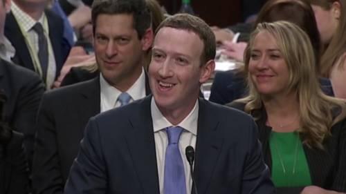 """Zuckerberg al Congresso: """"Anche miei dati violati"""""""