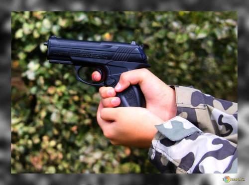 Usa, bambino trova pistola in negozio Ikea e spara un colpo