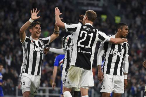 La Juventus spazza via 3-0 la Sampdoria: il Napoli scivola a meno sei