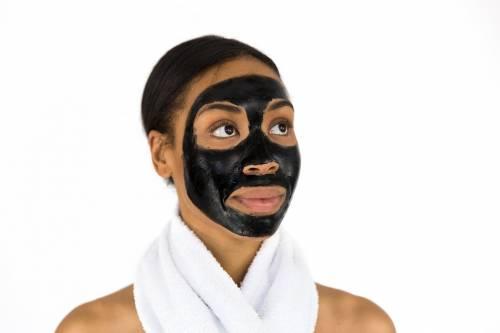 Maschera all'argilla: quale scegliere per far splendere la pelle