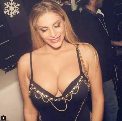 Francesca Cipriani sexy su Instagram 7