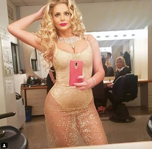 Francesca Cipriani sexy su Instagram 15