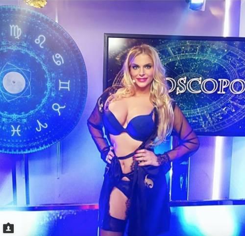 Francesca Cipriani sexy su Instagram 19