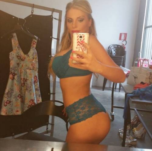 Francesca Cipriani sexy su Instagram 2