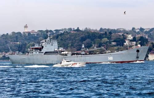 I raid non fermano la Russia, una nave militare fa rotta verso la Siria