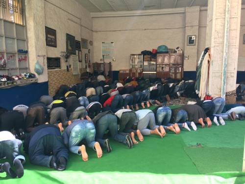 Nelle moschee fuorilegge dove si prega Allah