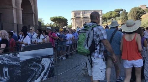 Roma, la truffa dello spray al cioccolato colpisce ancora
