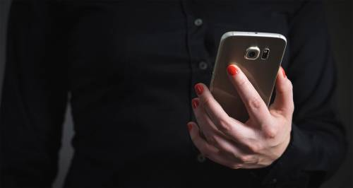 Selfiete: la mania dei millenials