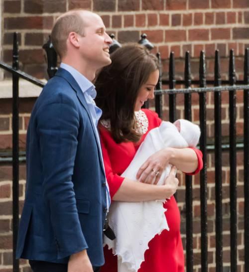 Kate Middleton e il Principe William col Royal Baby 7