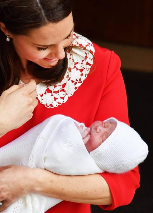 Kate Middleton e il Principe William col Royal Baby 11