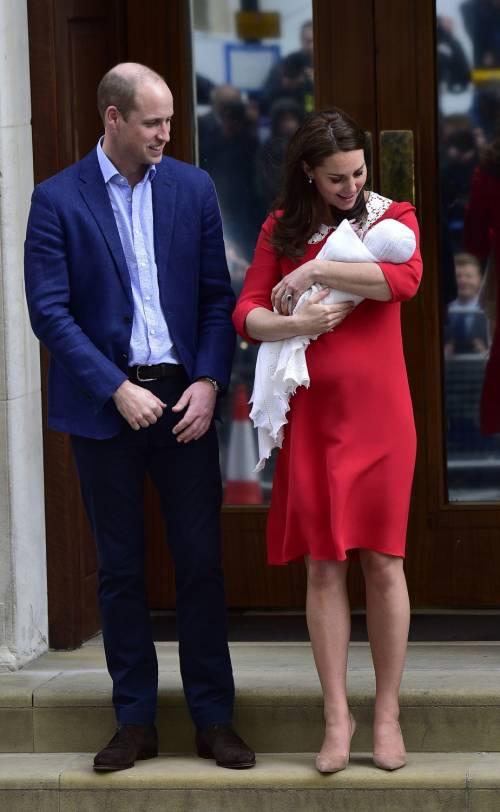 Kate Middleton e il Principe William col Royal Baby 16