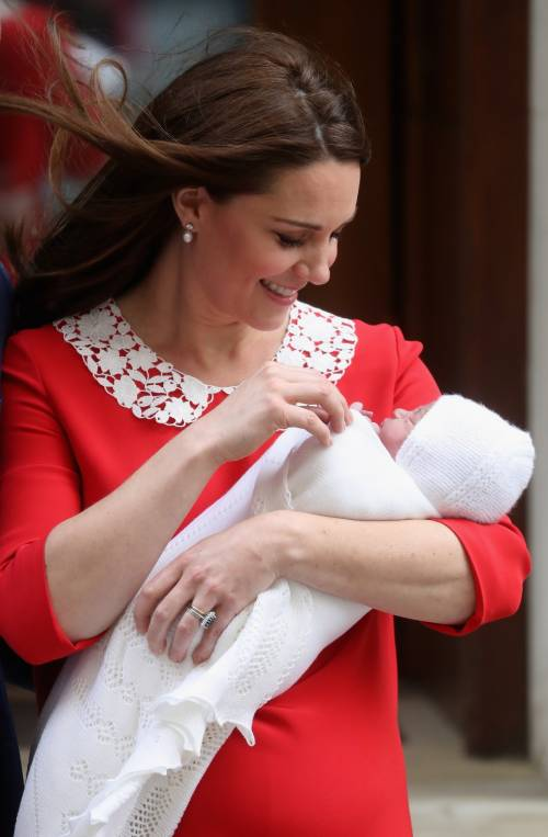 Kate Middleton e il Principe William col Royal Baby 1