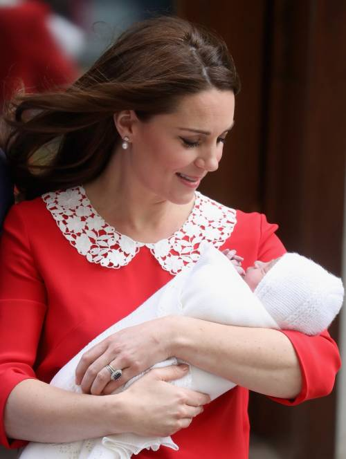 Kate Middleton e il Principe William col Royal Baby 8