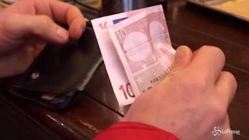 La crisi congela gli stipendi: aumentano di soli 72 euro