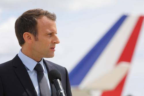 Da Macron ai timori Nato: i giallo-verdi mettono paura