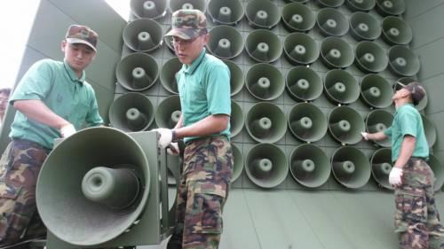 Seul smantella gli altoparlanti per diffondere la propaganda al confine con la Corea del Nord