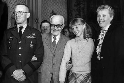La tv dei Vescovi celebra il '68 e intervista un ex brigatista