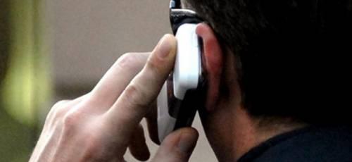"""Bollette del telefono: così gli operatori """"ingannano"""" i clienti"""