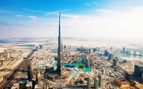 """""""Mia madre sta male"""" ma era a Dubai: dipendente pubblico denunciato a Como"""