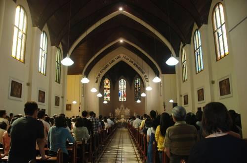 Indonesia, domenica di sangue nelle chiese 13