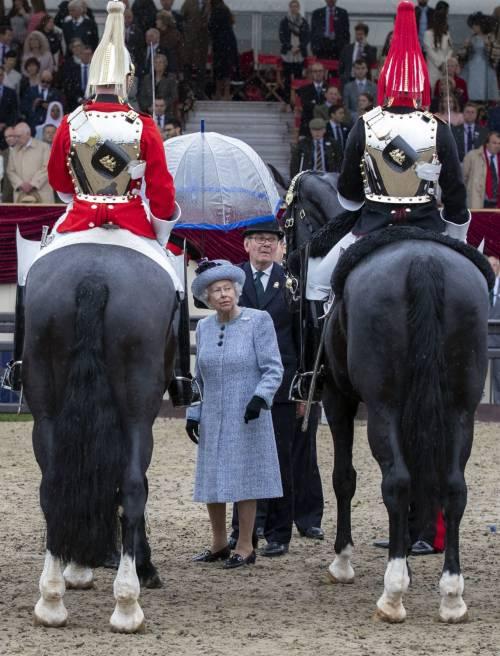 Principe Filippo in auto per l'Horse Show 3