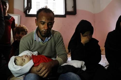 I funerali a Gaza di Leila, uccisa a otto mesi 6