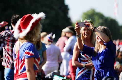 Royal Wedding: il Regno Unito in festa 11