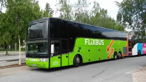 Madre partorisce su Flixbus: per la bimba biglietti gratis fino a 18 anni