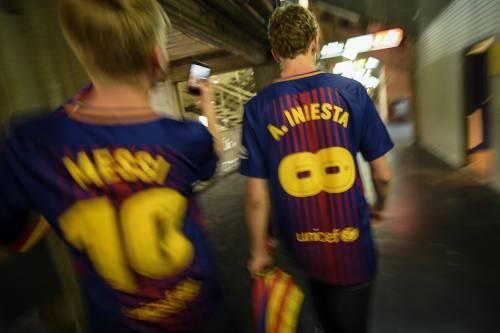 Barcellona in tour: uomini in business, donne in economy