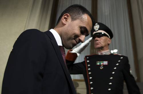 """L'ultimatum di Di Maio: """"O governo Conte o voto"""". E poi incontra Mattarella"""