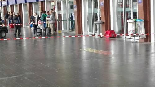 Allarme bomba a Termini per un borsone abbandonato 3