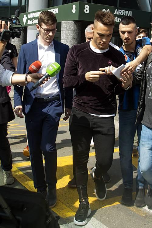 Inter, Lautaro Martinez sbarca a Milano: le foto del giovane attaccante nerazzurro 6