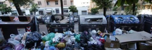 Getta sacchetti in strada: per la Cassazione è reato di imbrattamento