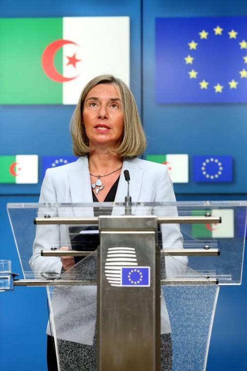 L'Europa va contro Trump: così aggirerà le sanzioni all'Iran