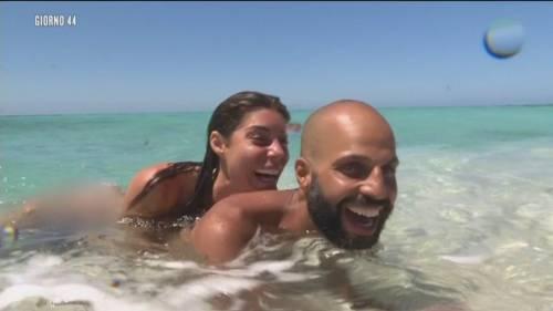 Bianca Atzei e Jonathan stanno insieme? Il 'Ti amo' su Instagram