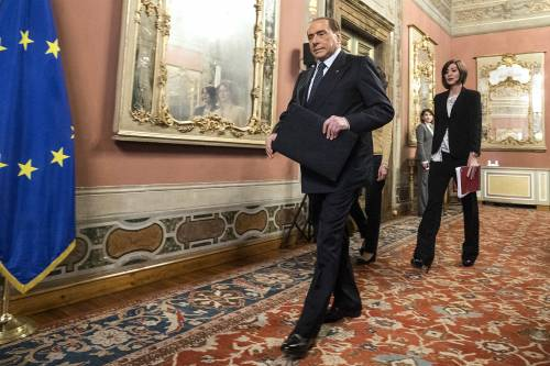 Berlusconi avverte Salvini: i grillini sfasciano l'Italia