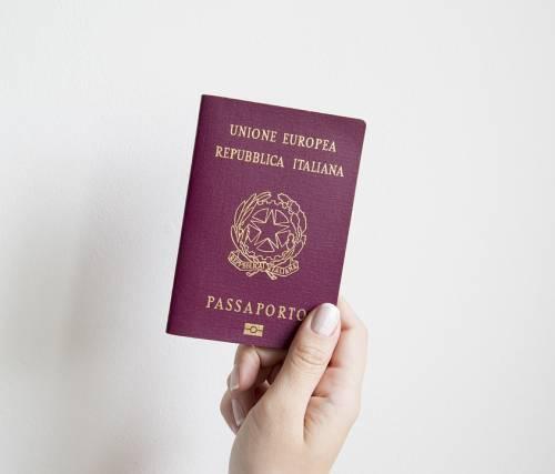 """Passaporto in mezz'ora e a portata di """"clic"""". """"Saranno 700 al giorno"""""""