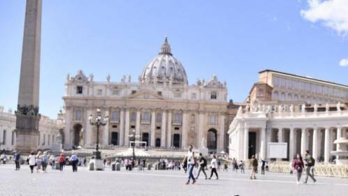 """In Vaticano adesso si discute per l'acronimo """"Lgbt"""""""