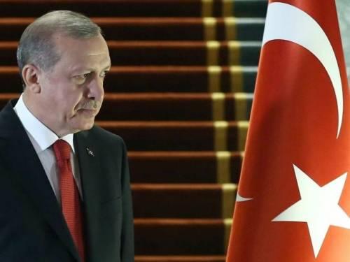 Erdogan accusa le agenzia di rating di danneggiare la Turchia