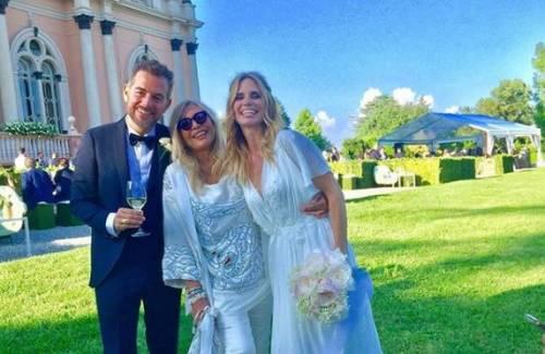 Mara Venier criticata per il look alle nozze di Bossari e Lagerback