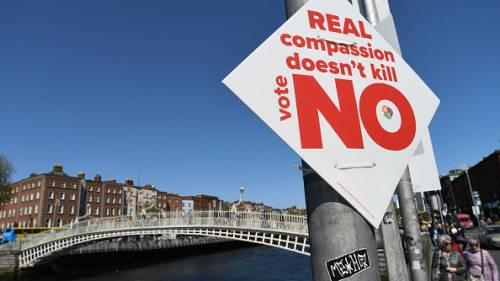 """Il vescovo irlandese Cullinan: """"Si confessi chi ha votato sì all'aborto"""""""