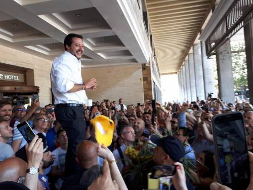 "Salvini blinda i Cie: ""Basta coi migranti a spasso"""