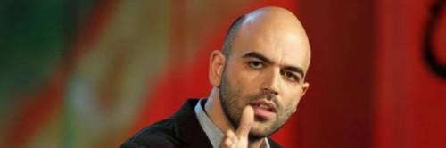 """Ora Saviano attacca Di Battista: """"Parac…sei stampella di Salvini"""""""