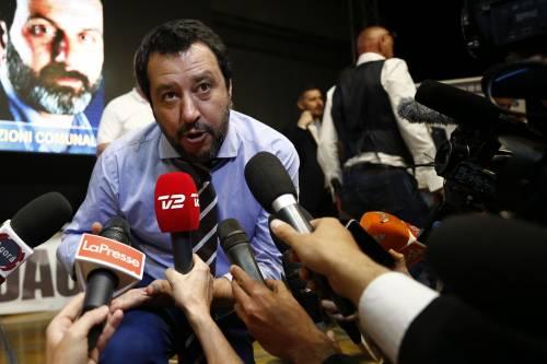 "E Salvini zittisce Toscani: ""Ti compatisco"""