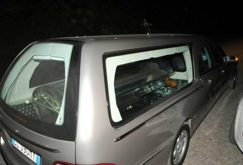 Ragazza uccisa dal carro funebre
